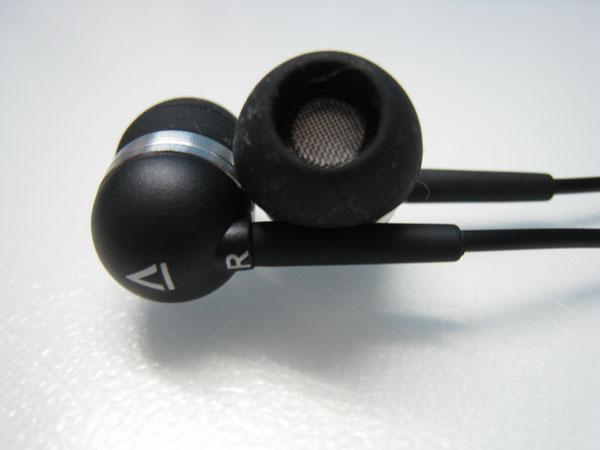 Creative EP-630i Stereo Headset - Closeup