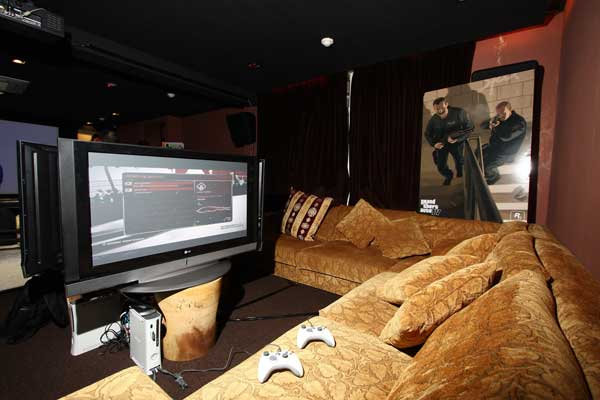 Nice Sofa Where We Played PGR4 And Bomberman