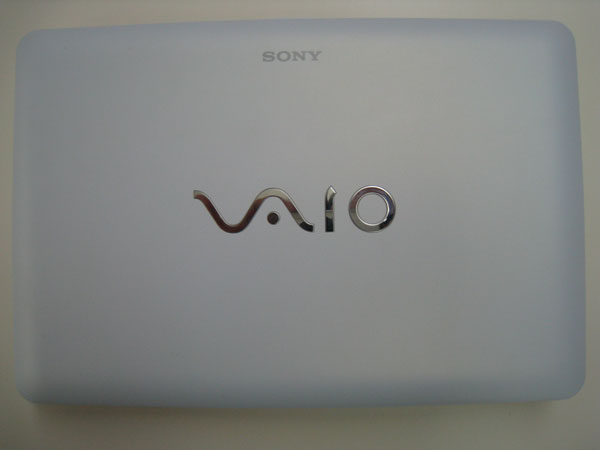 Sony VAIO W (VPCW115XG) - Lid Close